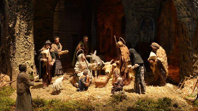 Santons et crèches de Noël  Creche-noel_5163019